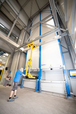AGRU Kunststofftechnik invested in new storage lifts for heating coil wire and placed orders with regional companies.