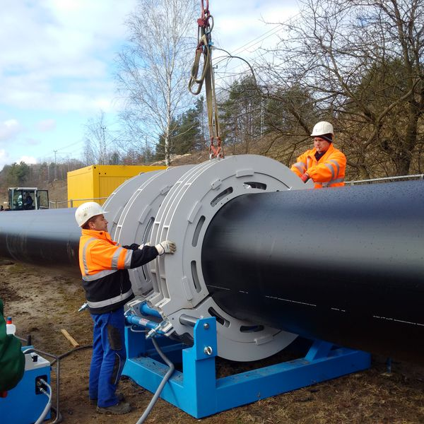 Record breaking Horizontal Directional Drilling - AGRU