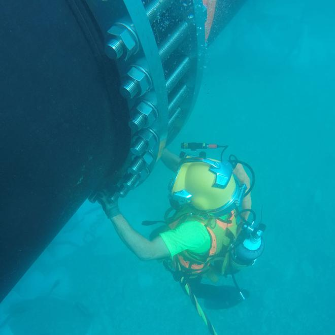 Connection by divers under water